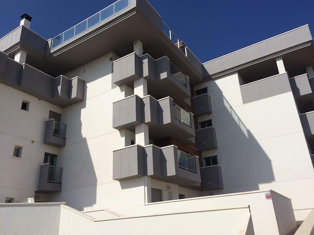 L'appartement se situe au premier étage