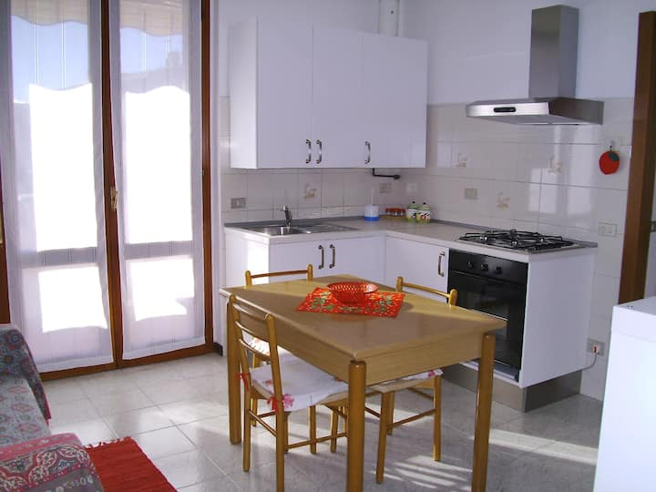Bernareggio Cosy & Cheap Apartment