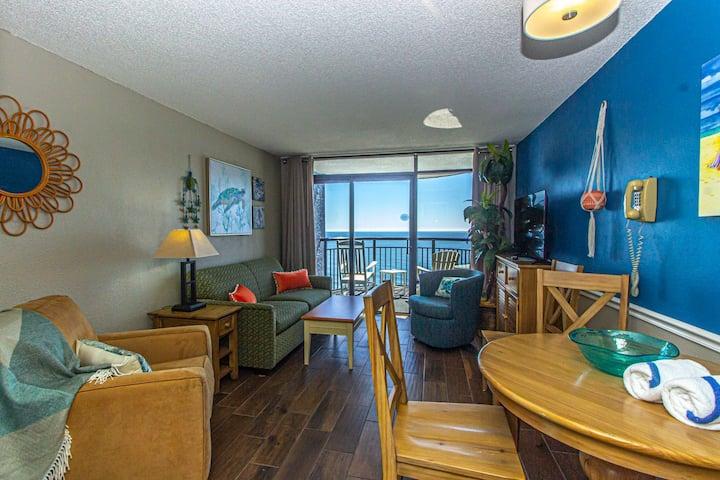 Beautifully Updated Direct Oceanfront Suite - Monterey Bay 1425 - Sleeps 6 Guests!