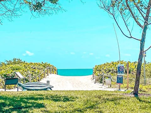 Great studio + Private beach in 4 star Hotel ****