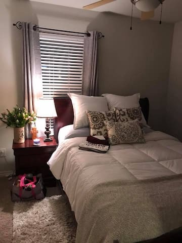 Comfortable bedroom in East B/CS