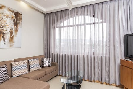TWO BEDROOM CONDO UNIT CLOSE TO AYALA - Apartemen