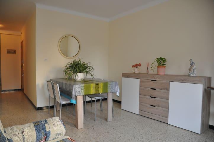 Apartamento barato muy céntrico a 1 minuto playa!