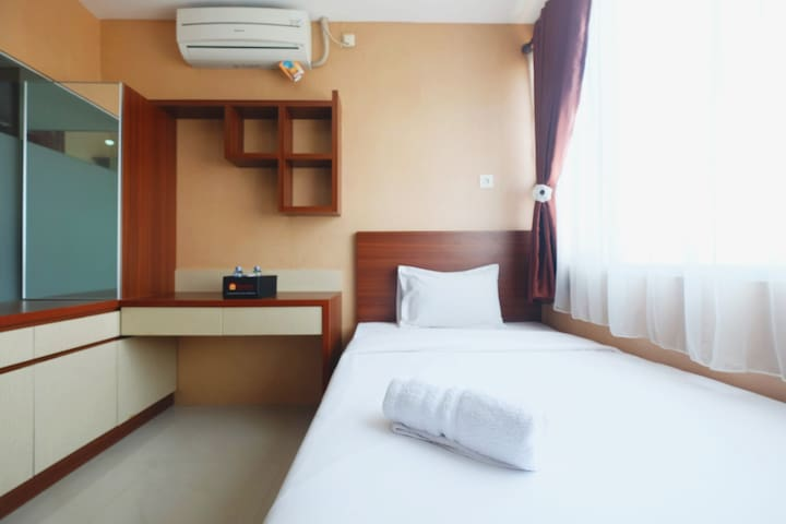Comfy City View Studio Apt @Saladdin Mansion Depok