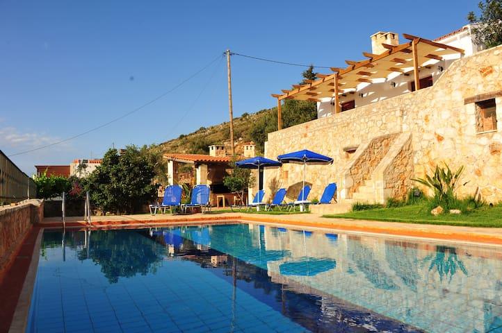 FASKOMILIA Traditional Cretan Home - kokkino chorio