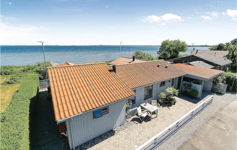Holiday cottage with 2 bedrooms on 99m² in Kalvehave