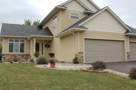 Ryder Cup Rental 2016 - 10 min from Hazeltine Golf - Carver
