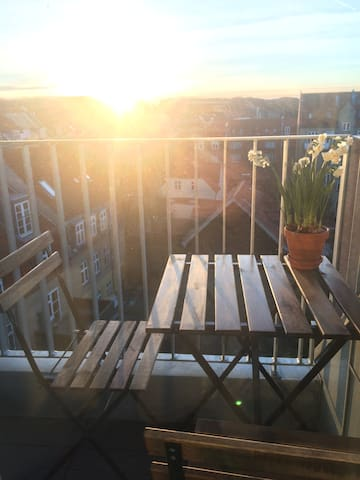 Lille og hyggelig taglejlighed - Aarhus - Lägenhet