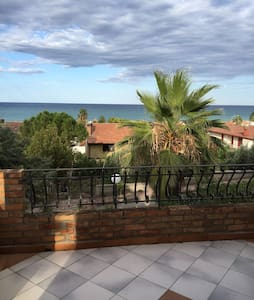 Lovely apt with amazing seaview - Calopezzati - Leilighet