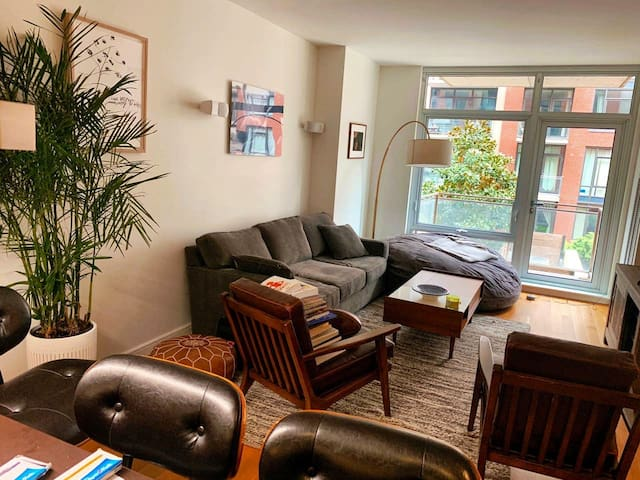 Nice and comfy 1BR in the heart of Williamsburg!