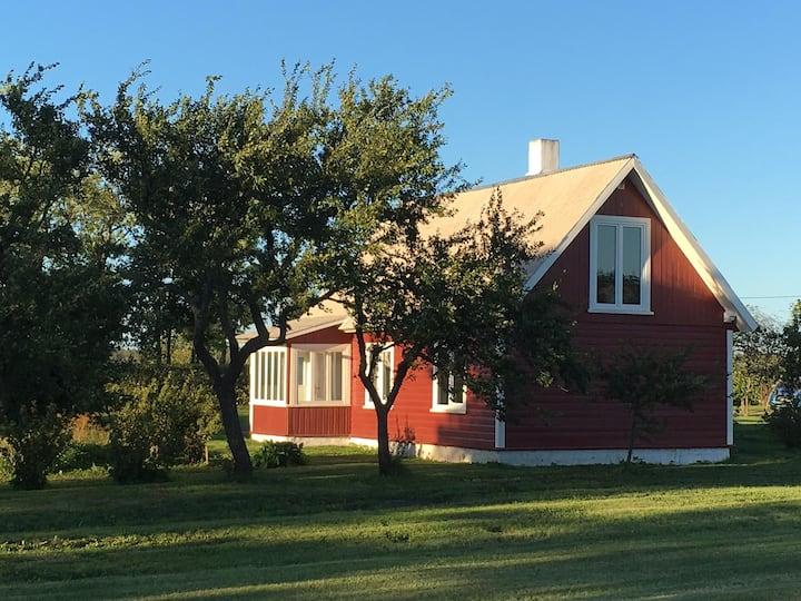 Kasteinhof Guesthouse near Sõru.