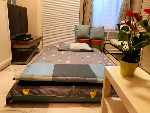 New, clean & cozy, 2 double beds, 歡迎月租