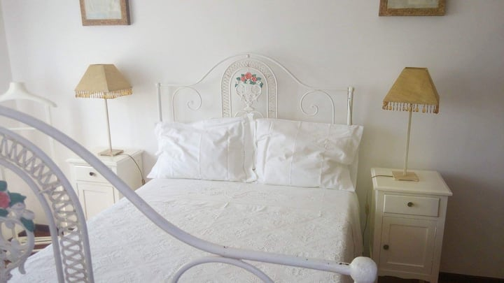 Silver Coast Villa - especial prices for families!