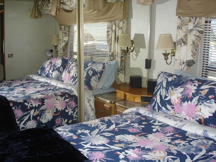 American Motorhome With All The Home Comforts