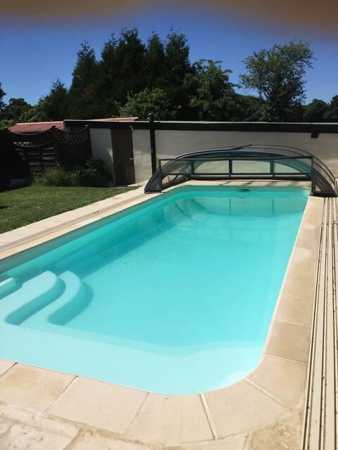 Les Chambres du Pressoir (piscine, sauna et spa)