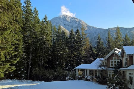 Villa Two Peaks Getaway - Spacious apartment