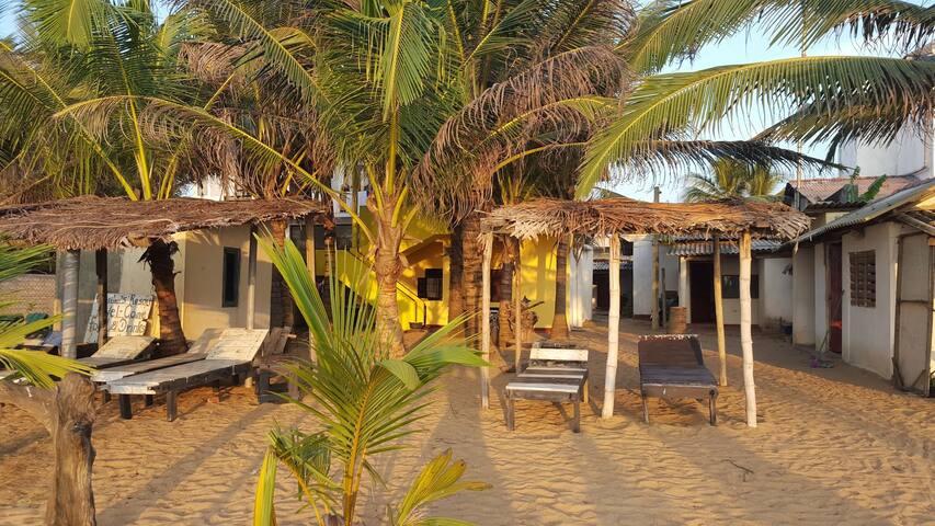 Beach room with AC, Happy Beach Inn