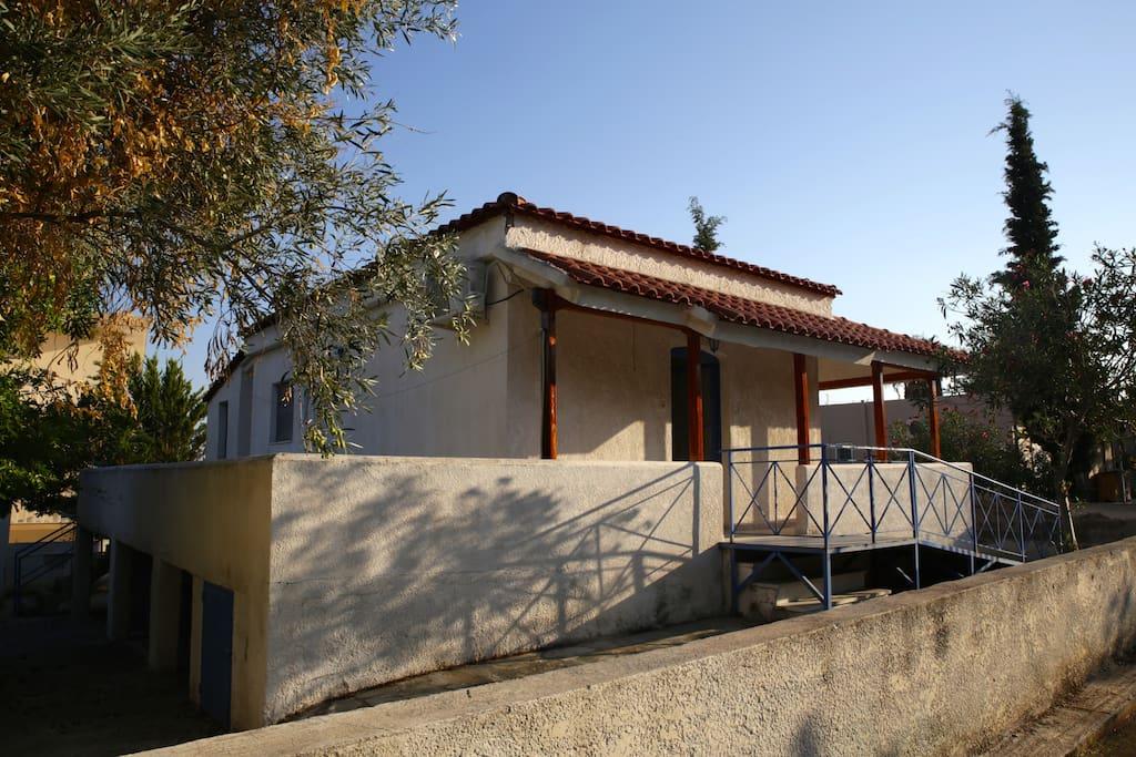 Kineta house case in affitto a nea peramos grecia for Case a buon mercato 3 camere da letto