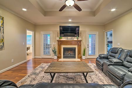 NEW! Charming Columbus Home w/ Game Room, Near AFB