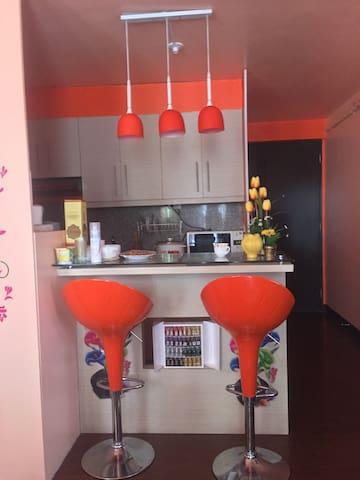 Fully Furnished studio @ Arrezo Place, Pasig
