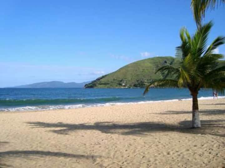 Duplex próximo à praia! Fácil acesso à ilha grande