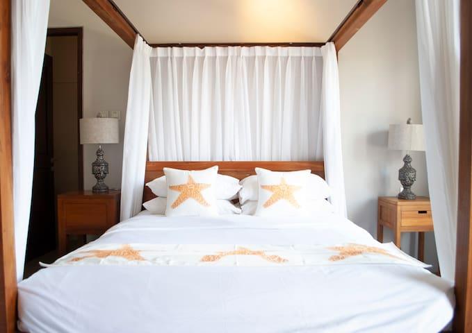 [NEW] Casa Narrow Villa - Dewi Shinta Room