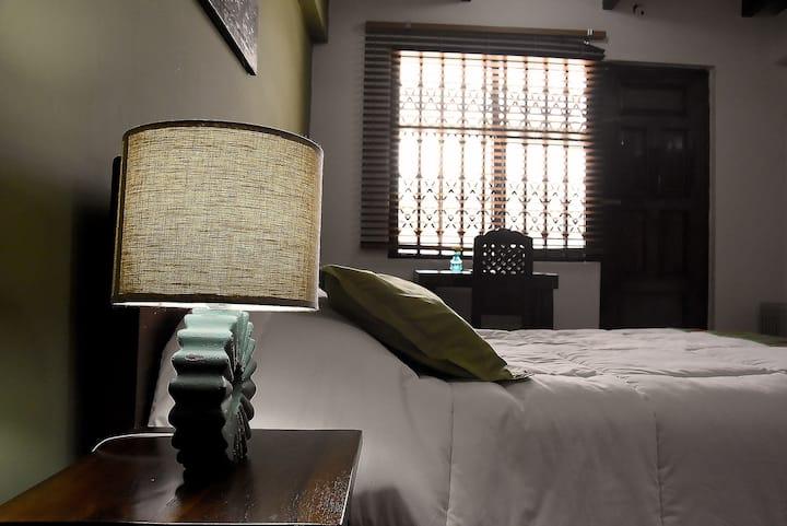 Premium Room w/ balcony and free breakfast (SB)