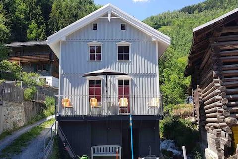 Casa Cuschina  mit Sauna in der schönen Surselva