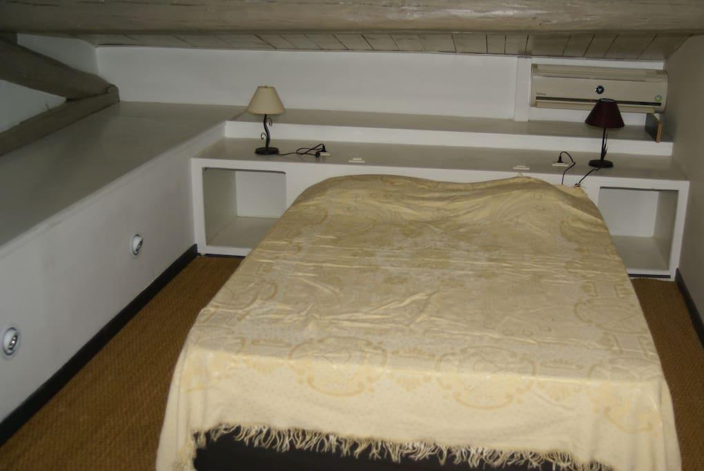 chambre lit double penderie placad