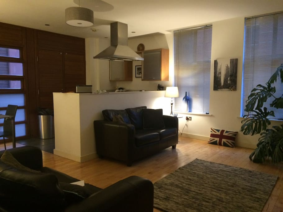 Cosy city centre retreat in the heart of Liverpool historic Rope Walks quarter.