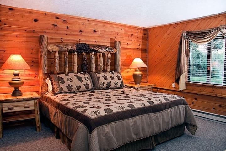 Aspen room by Million Dollar Highway US 550