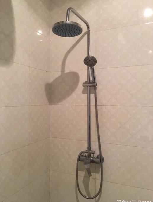 浴室双用淋雨
