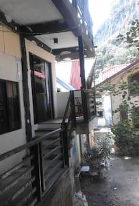 Just Inn A/C Rooms & H/Cold Shower FREE BREAKFAST - El Nido Palawan - Pousada