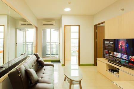 [TOP FLOOR] 2BR Apartment with Coastline View