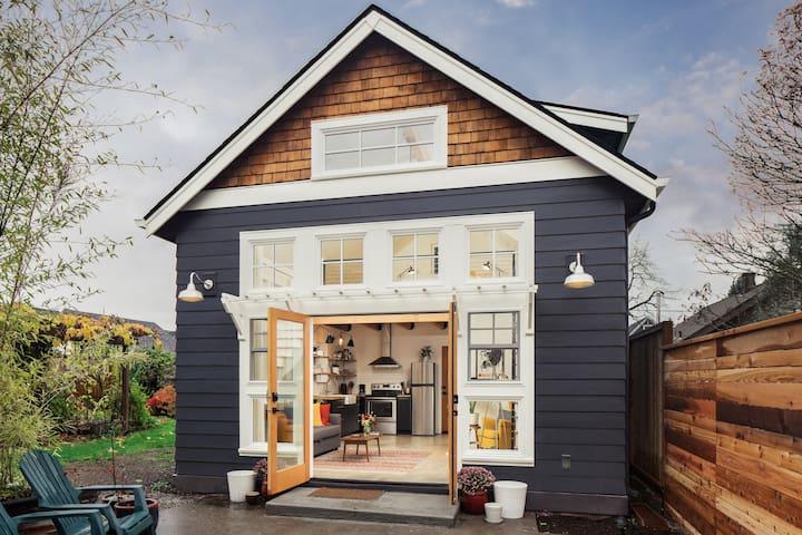 The Arborhouse: light-filled design+garden retreat