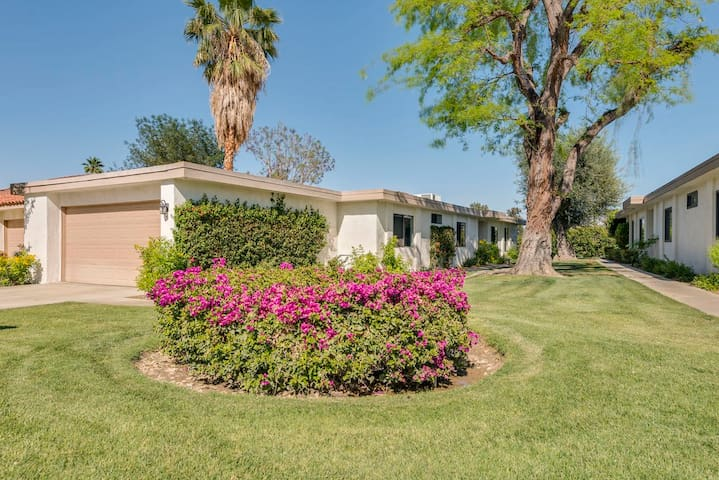 Stylish Rancho Las Palmas Country Club Condo