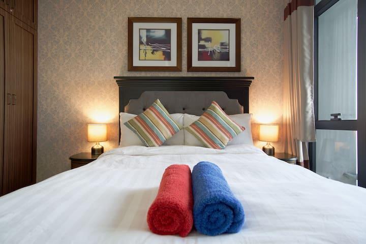 (Superhost) Designer Makati One-Bedroom - Makati - Condominium