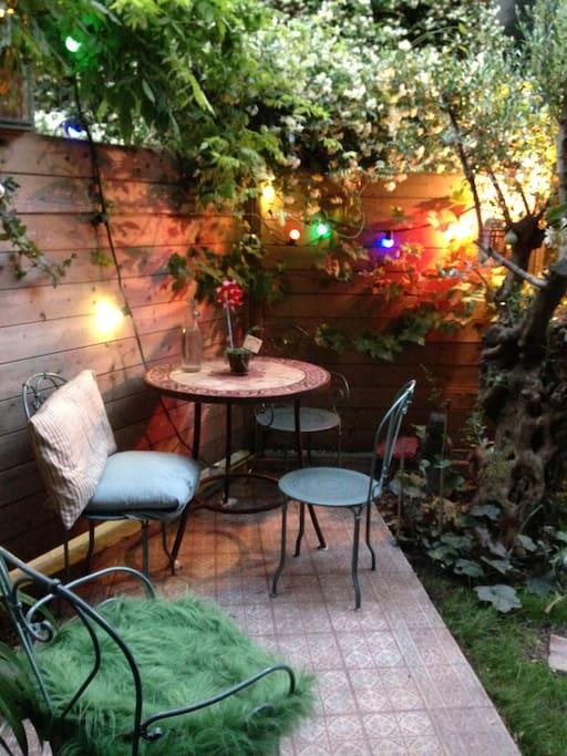 petit espace pour se boire un verre en toute tranquillité dans la résidence...