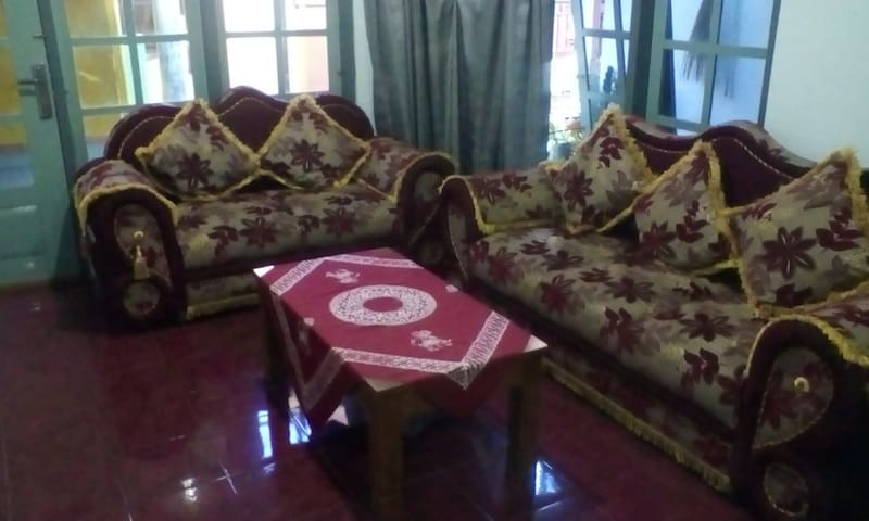 "Home Stay "" Mimin "" Bed & Breakfast - Banyuwangi Sub-District - Huis"