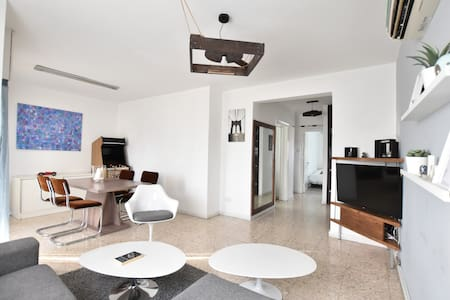 CozyApt*NICOSIA*Renovated,2BR,FreeWifiWelcomesU!!!