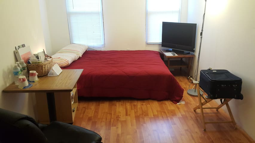 Close to New York City (JSQ), Comfy and Affordable - Jersey City - House