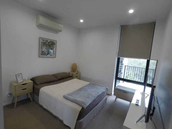 ★Peaceful private bedroom + bath | Close to CBD |