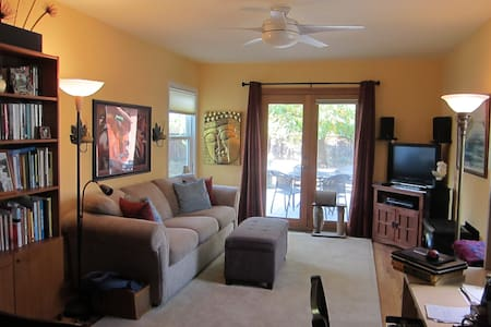 one bedroom duplex near downtown Santa Rosa - Casa