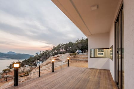 Sea, Nature, and You. Whatelse? - Goheung-gun - Villa