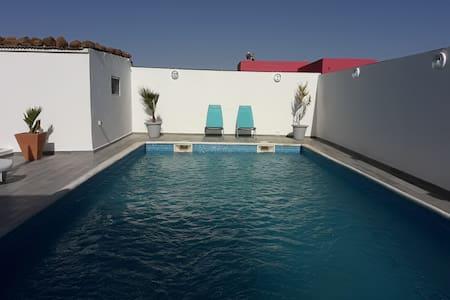 Villa African jaja avec belle piscine.