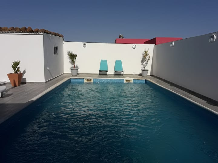 African Jaja villa.   Piscine-Climatisation.