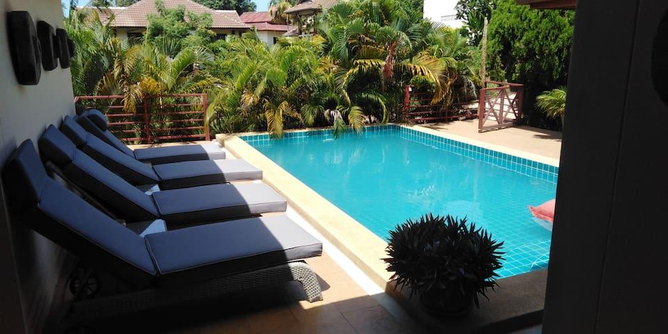 Spacious family ocean view pool villa in Lamai