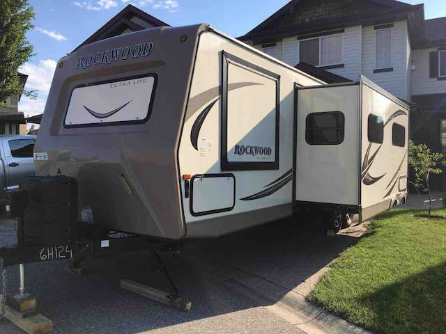 36 FT RV - Trailer - Canmore - Mountain View