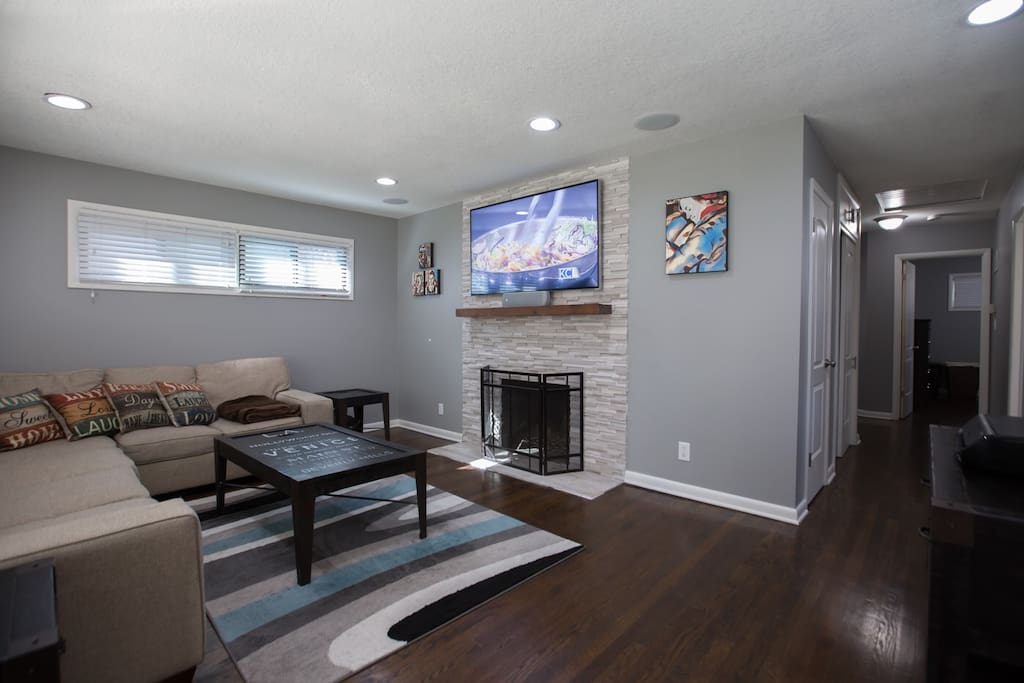 Upstairs living room with 5.1 theater surround