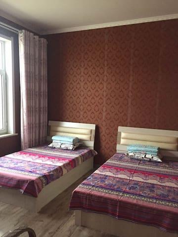 沙漠小镇中的休闲小屋